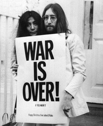 _YokoOnoJohn Lennon_1969_frank Barratt